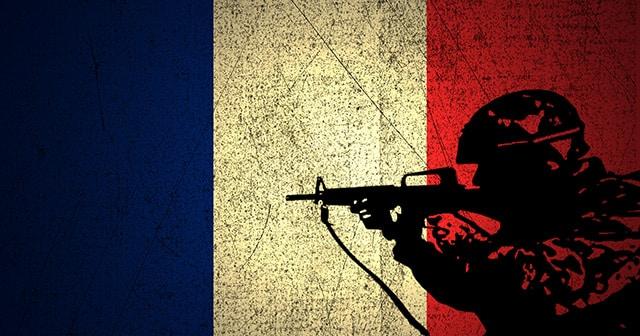 Frankreich setzt Militärfahrzeuge und Polizei gegen Gelbwesten ein